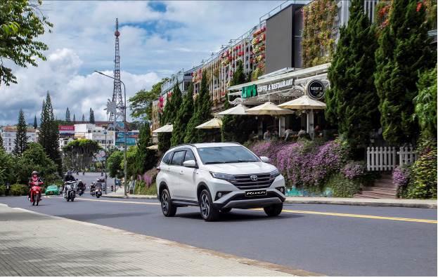 Khách mua Toyota Rush được hưởng ưu đãi